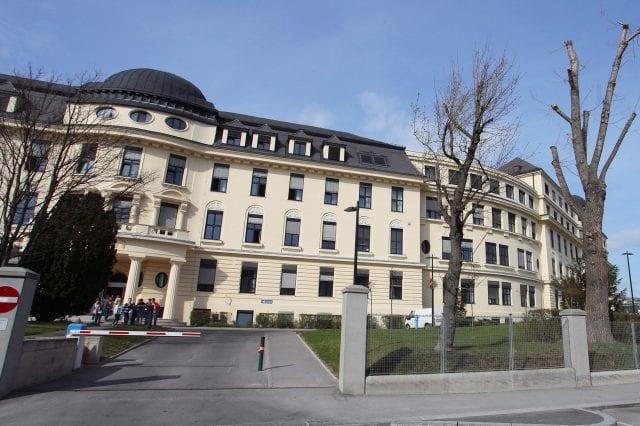 Foto der Außenansicht des Hanusch Krankenhaus